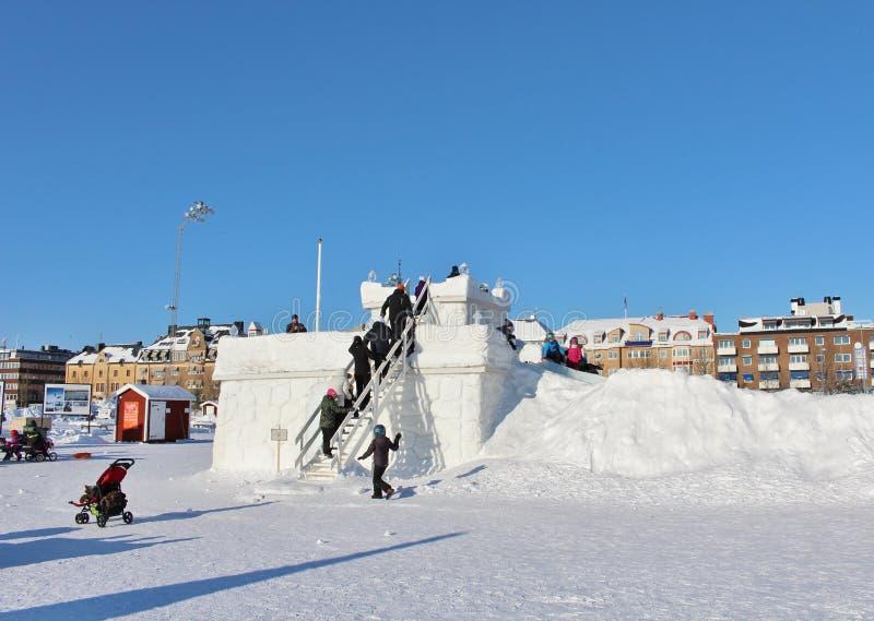 Το κάστρο χιονιού στο νότιο λιμάνι σε LuleÃ¥ στοκ φωτογραφίες με δικαίωμα ελεύθερης χρήσης