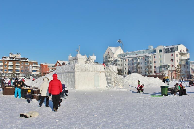 Το κάστρο χιονιού στο νότιο λιμάνι σε LuleÃ¥ στοκ φωτογραφία με δικαίωμα ελεύθερης χρήσης