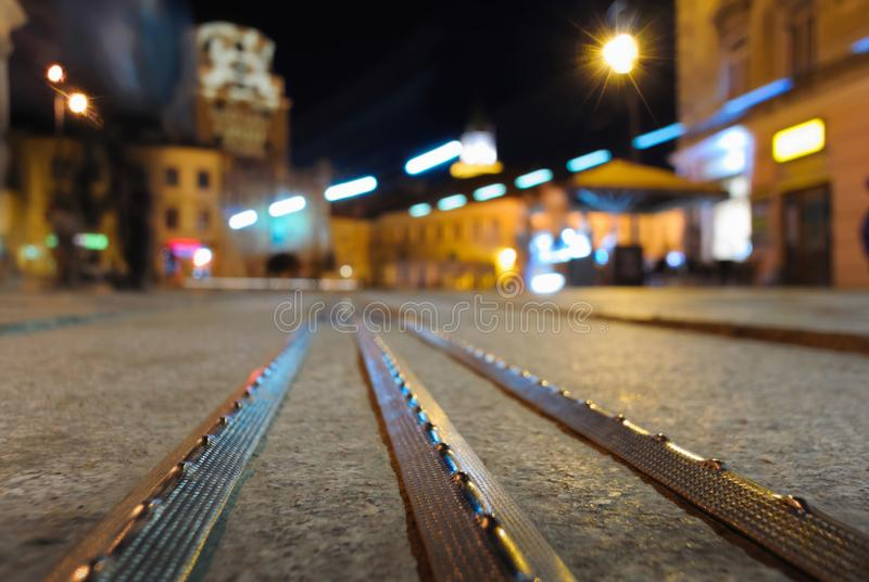 Το κέντρο του Lublin μπροστά από το σύγχρονο στοιχείο αγωγών μετάλλων στοκ φωτογραφίες με δικαίωμα ελεύθερης χρήσης