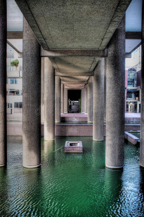 Το κέντρο Barbican στο Λονδίνο στοκ εικόνες