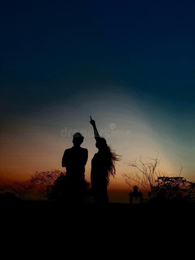 Το καλό βράδυ χτυπά στοργικά το ζεύγος στοκ εικόνα με δικαίωμα ελεύθερης χρήσης