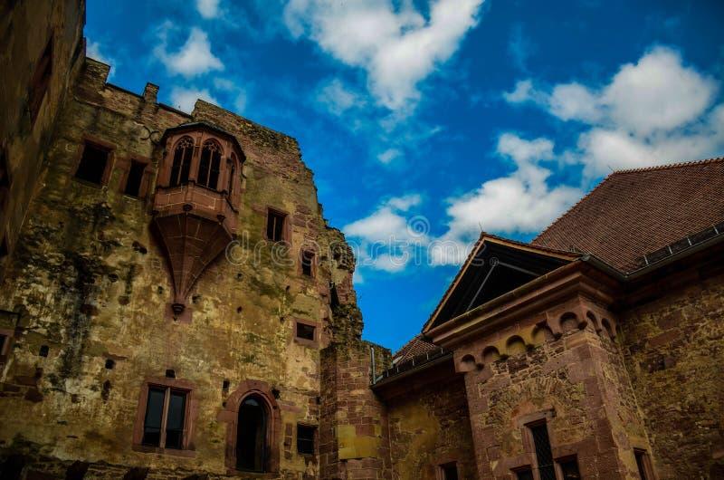 Το καταρρεσμένο Castle στοκ εικόνα με δικαίωμα ελεύθερης χρήσης