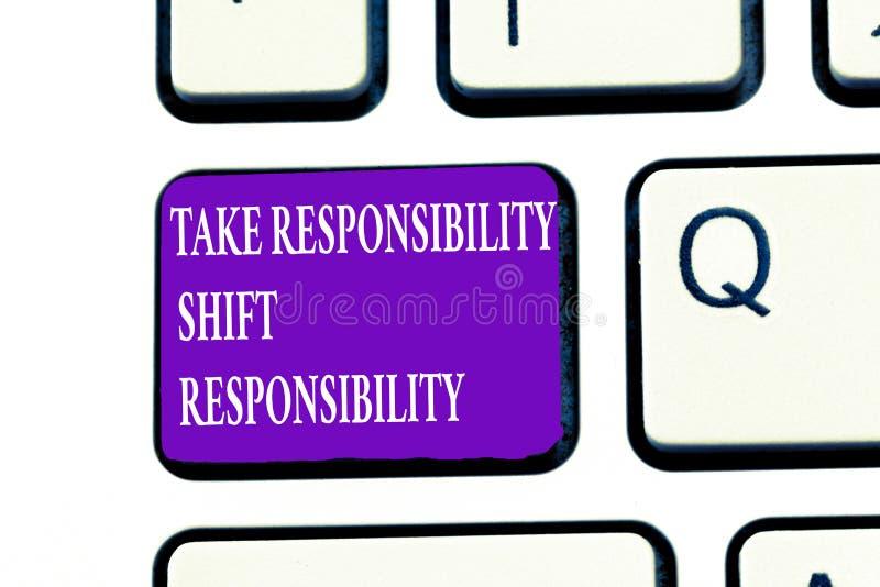 Το κείμενο γραψίματος λέξης παίρνει την ευθύνη μετατόπισης ευθύνης Η επιχειρησιακή έννοια για είναι ωριμασμένη παίρνει την υποχρέ διανυσματική απεικόνιση
