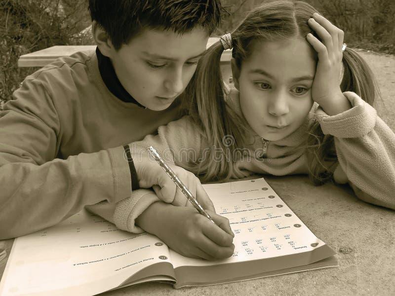 το κορίτσι έχει math τα προβλή& στοκ φωτογραφίες