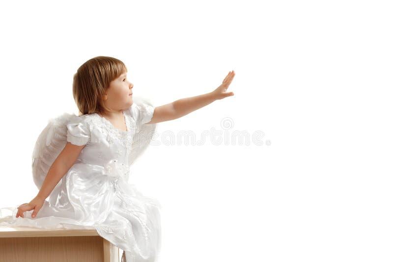 το κορίτσι την δίνει φτάνει στοκ εικόνα με δικαίωμα ελεύθερης χρήσης