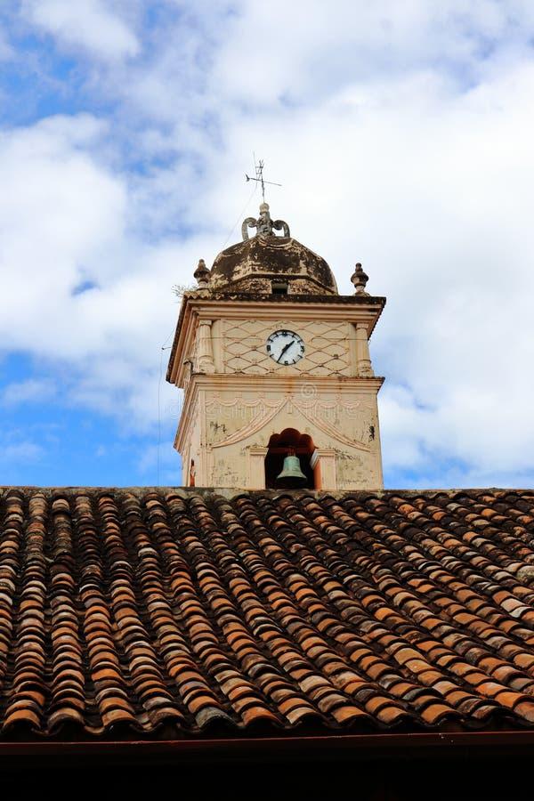 Το κουδούνι Iglesia de Λα Merced στη Γρανάδα, Νικαράγουα στοκ εικόνα