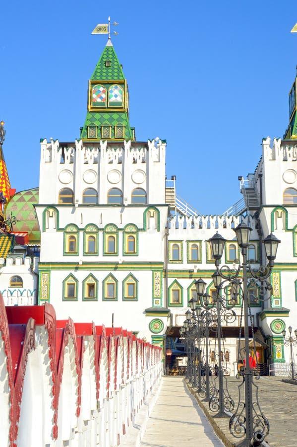 Το Κρεμλίνο σε Izmailovo Μόσχα Γκέιτς, φω'τα, πύργοι στοκ φωτογραφίες