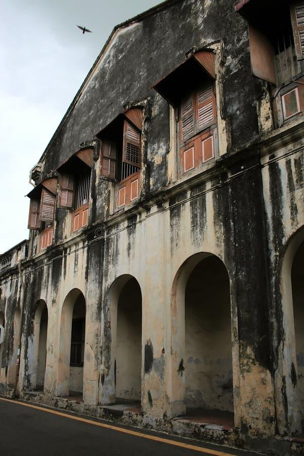 το κτήριο κατέστρεψε παλαιό στοκ εικόνες