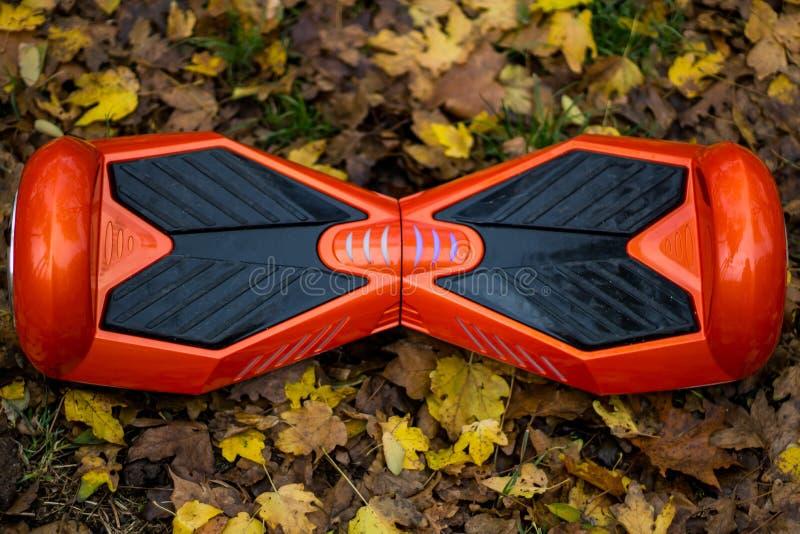 Το κόκκινο hoverboard μια τοπ άποψη στοκ εικόνες