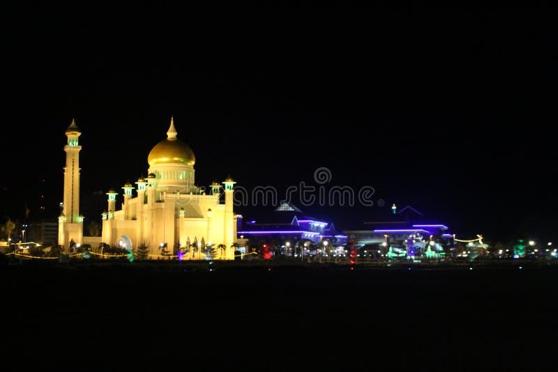Το κύριο μουσουλμανικό τέμενος στο Μπρουνέι Darussalam στοκ εικόνες