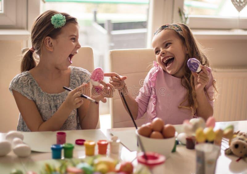Το λαγουδάκι Πάσχας adores το ρόδινο χρώμα στοκ εικόνα με δικαίωμα ελεύθερης χρήσης