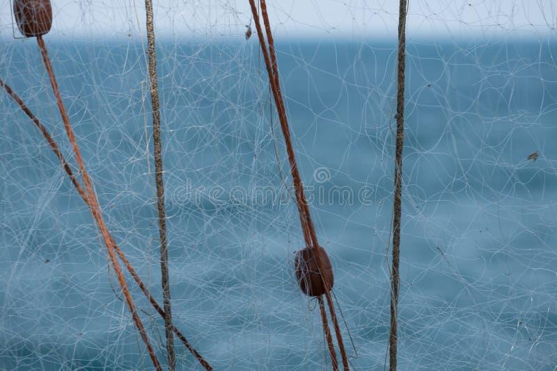 Το Λα Punta, Πούλια, δίχτυα του ψαρέματος Trabucco χρησιμοποίησε για την αλιεία, που βρέθηκε συνήθως κατά μήκος της αδριατικής ακ στοκ εικόνα