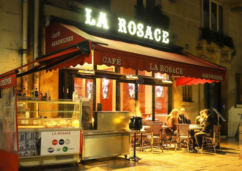 Το Λα Rosace είναι ένας χαρακτηριστικός παρισινός καφές που βρίσκεται κοντά στον καθεδρικό ναό της Notre Dame στο Παρίσι, Γαλλία στοκ φωτογραφίες με δικαίωμα ελεύθερης χρήσης
