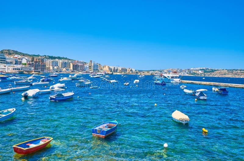Το λιμάνι αλιείας με πολλές μικρές βάρκες στοκ εικόνες με δικαίωμα ελεύθερης χρήσης
