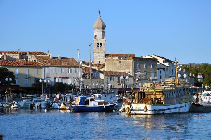 Το λιμάνι Krk της πόλης, Κροατία στοκ εικόνα με δικαίωμα ελεύθερης χρήσης