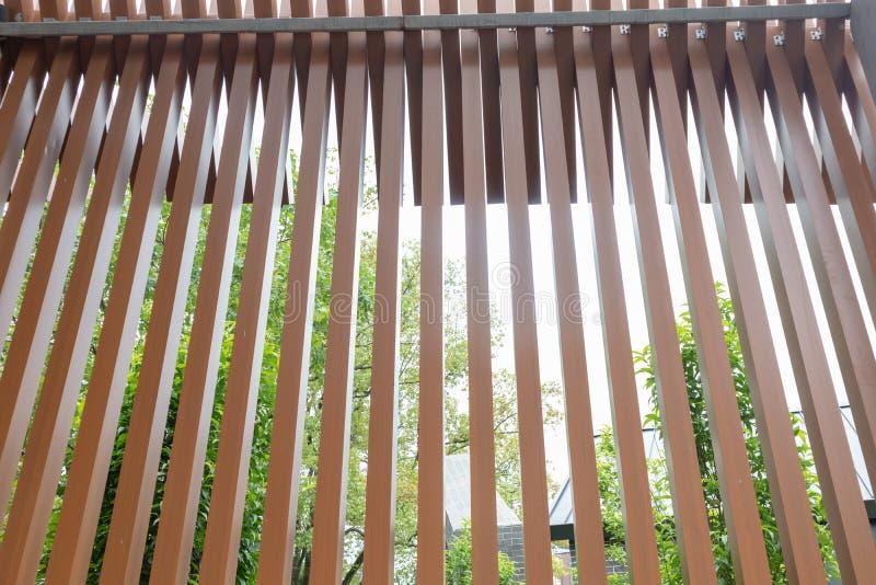 Το μέρος της ξύλινης δομής διάδρομος-οικοδόμησης στοκ εικόνα