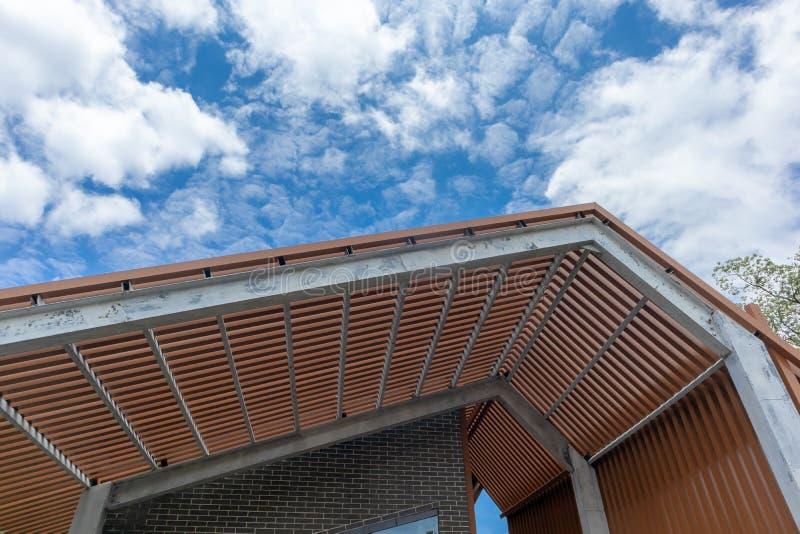 Το μέρος της ξύλινης δομής διάδρομος-οικοδόμησης στοκ φωτογραφία με δικαίωμα ελεύθερης χρήσης