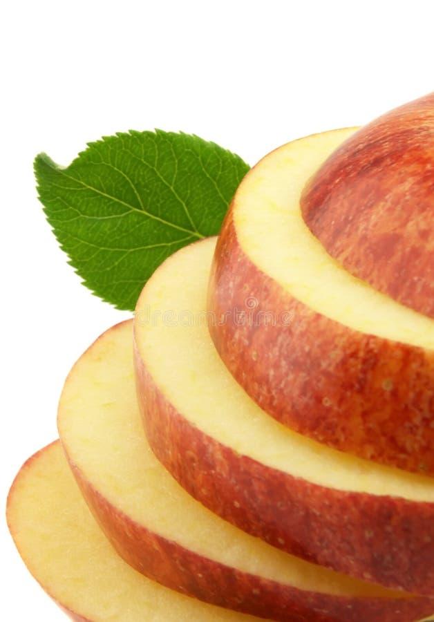 το μήλο έκοψε το πνεύμα φύλλων στοκ φωτογραφία