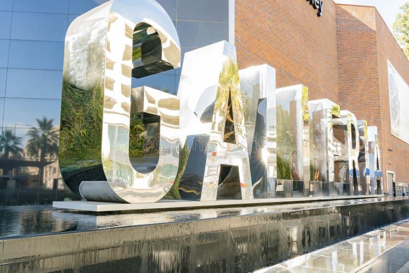 Το μεγάλο σημάδι μετάλλων Glendale Galleria στοκ εικόνες