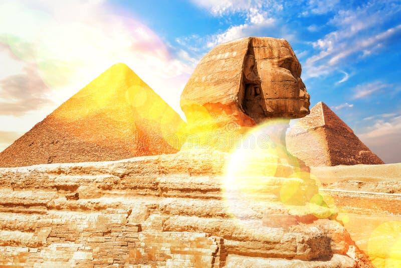 Το μεγάλο Sphinx των ακτίνων Giza στον ήλιο, Αίγυπτος στοκ φωτογραφία με δικαίωμα ελεύθερης χρήσης