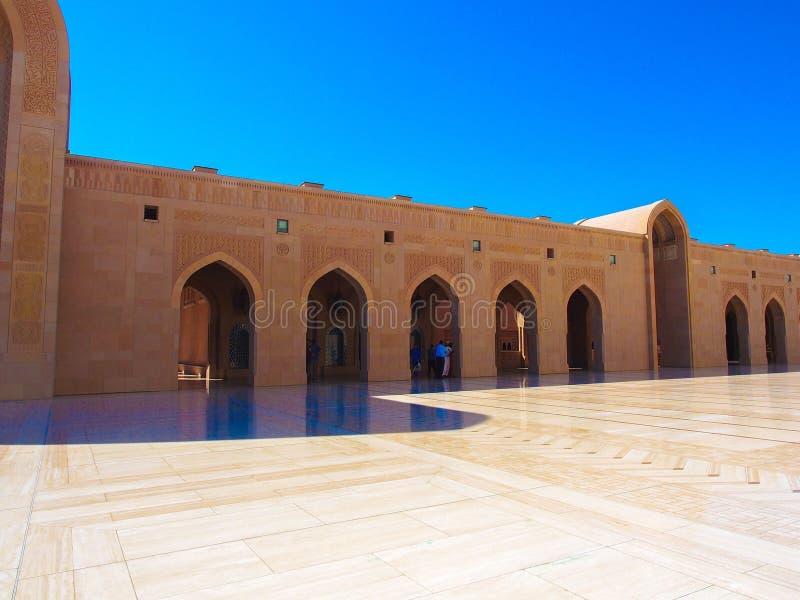 Το μεγάλο μουσουλμανικό τέμενος Qaboos σουλτάνων στοκ εικόνες