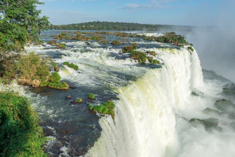 Το μεγαλοπρεπές Iguazu πέφτει, μια κατάπληξη του κόσμου στοκ φωτογραφίες