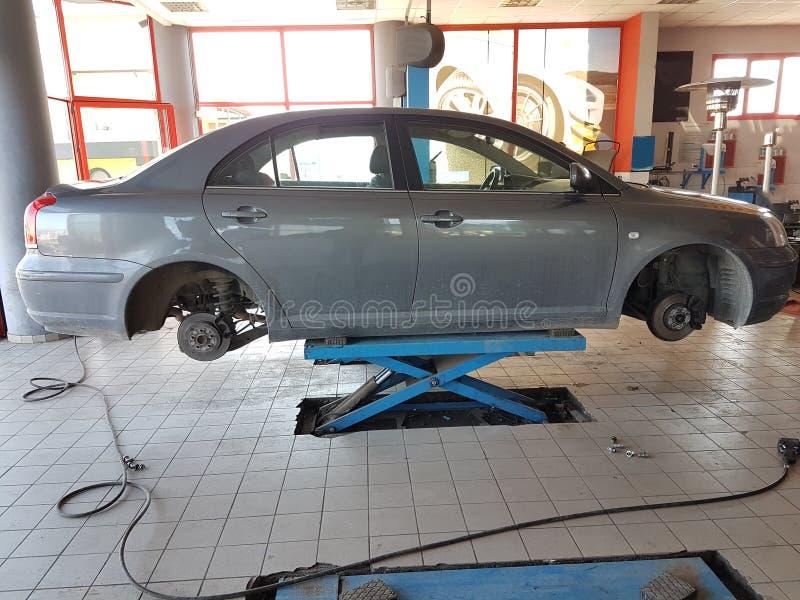 Το μεταβαλλόμενο αυτοκίνητο κουράζει την υπηρεσία στοκ φωτογραφία με δικαίωμα ελεύθερης χρήσης