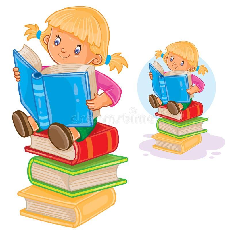 Το μικρό κορίτσι κάθεται σε έναν σωρό των βιβλίων και διαβάζει ένα άλλο βιβλίο ελεύθερη απεικόνιση δικαιώματος
