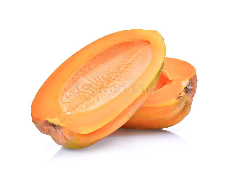 Το μισό από φρέσκο papaya χωρίς κουκούτσια που απομονώνει στο λευκό στοκ εικόνα με δικαίωμα ελεύθερης χρήσης