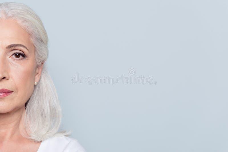 Το μισό πρόσωπο ένα μάτι καλλιέργησε το πορτρέτο με το διάστημα αντιγράφων τέλειου, π στοκ φωτογραφία με δικαίωμα ελεύθερης χρήσης