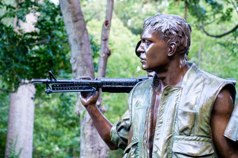Το μνημείο τριών μελών των ενόπλων δυνάμεων που τιμά την μνήμη του πολέμου του Βιετνάμ στο W στοκ εικόνα με δικαίωμα ελεύθερης χρήσης