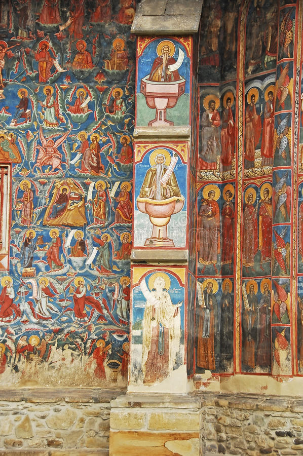 Το μοναστήρι Voronet. Λεπτομέρειες των χρωματισμένων εξωτερικών τοίχων. στοκ φωτογραφία με δικαίωμα ελεύθερης χρήσης
