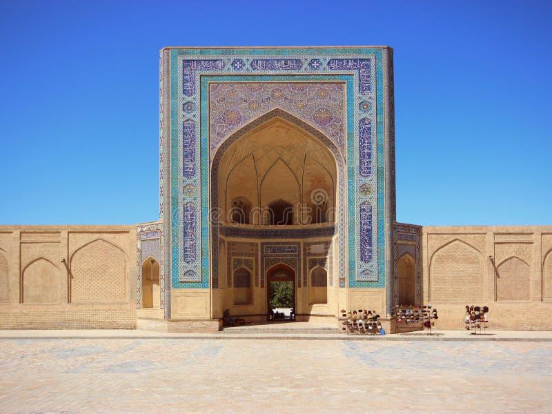 Το μουσουλμανικό τέμενος Kalon στη Μπουχάρα (Ουζμπεκιστάν) στοκ εικόνες