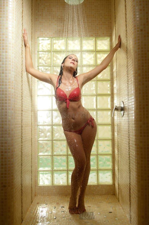 το μπανιερό ντους παίρνει & στοκ φωτογραφία με δικαίωμα ελεύθερης χρήσης