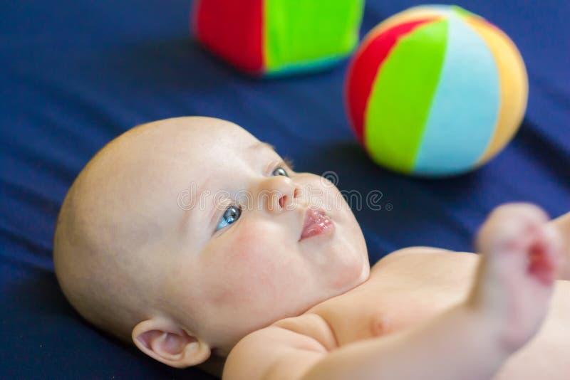 το μωρό είναι ελκυστικό στοκ εικόνα με δικαίωμα ελεύθερης χρήσης