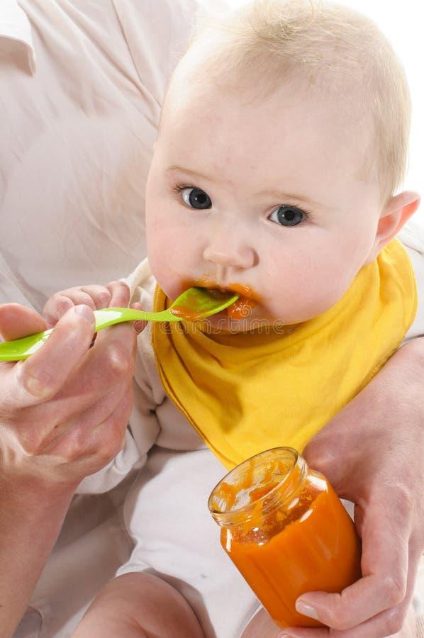 Το μωρό παίρνει το κουάκερ στοκ φωτογραφίες με δικαίωμα ελεύθερης χρήσης