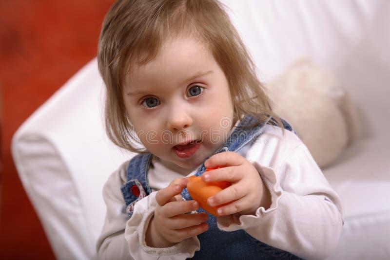 το μωρό παρεμπόδισε ευτυ& στοκ φωτογραφίες