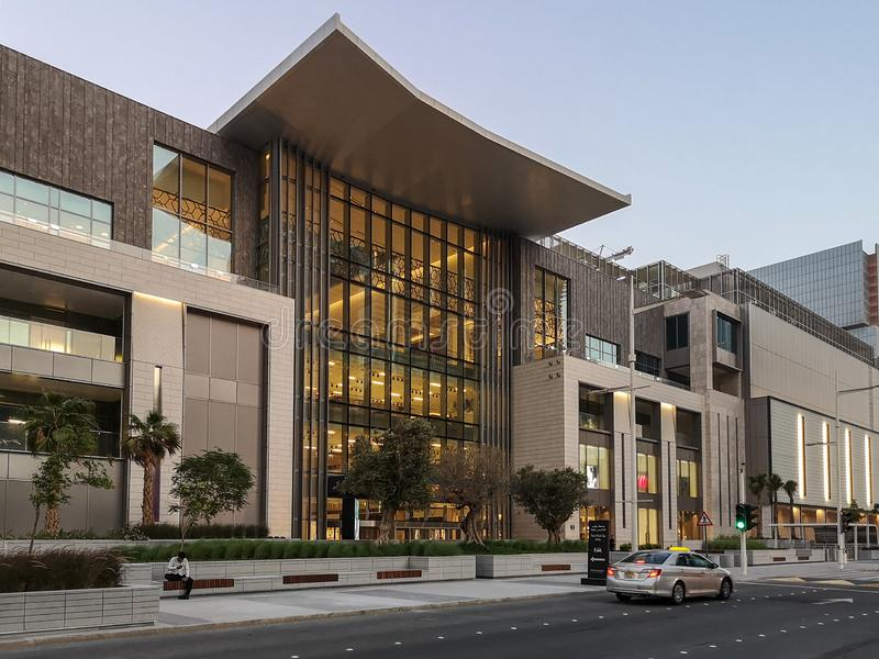 Το νέο εμπορικό κέντρο Galleria Boutique στο νησί Al Maryah στο αξιοθέατο Dhabi, νέο εμπορικό κέντρο για επίλεκτες μάρκες και καφ στοκ φωτογραφίες με δικαίωμα ελεύθερης χρήσης
