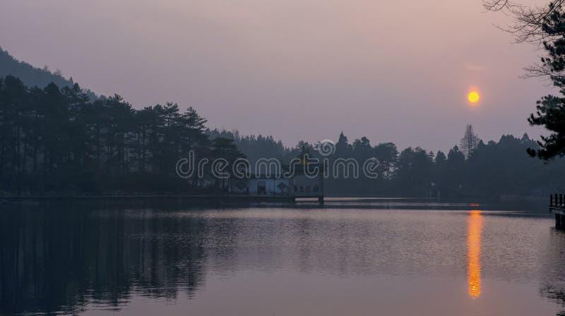 Το νερό-και-Moutains της επαρχίας LuShan στοκ φωτογραφία με δικαίωμα ελεύθερης χρήσης