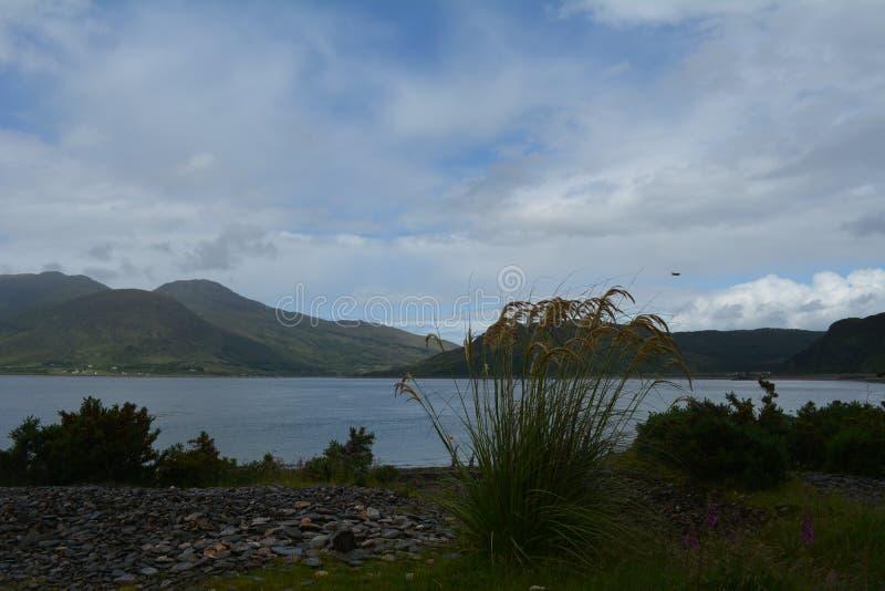 Το νησί της Skye από Glenelg στοκ εικόνα