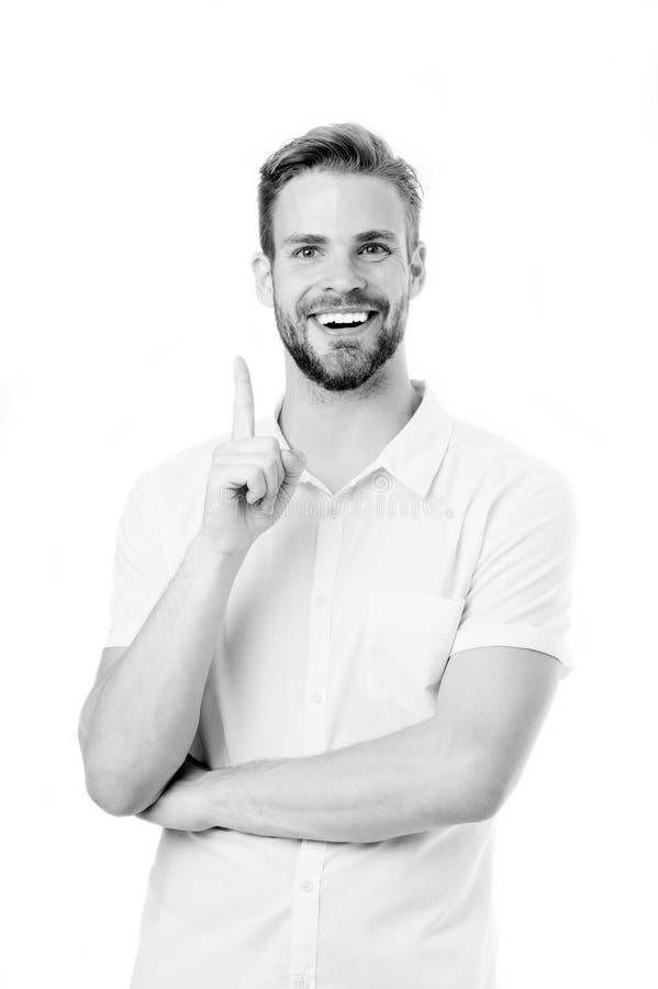 Το ξέρω Ευτυχές πρόσωπο χαμόγελου σκληρών τριχών ατόμων, άσπρο υπόβαθρο Γενειοφόρος εύθυμος τύπων έχοντας την ιδέα που δείχνει τη στοκ εικόνα