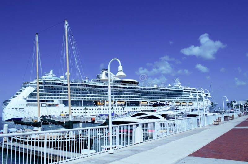Το ογκώδες κρουαζιερόπλοιο στη Key West, Φλώριδα στοκ εικόνες με δικαίωμα ελεύθερης χρήσης