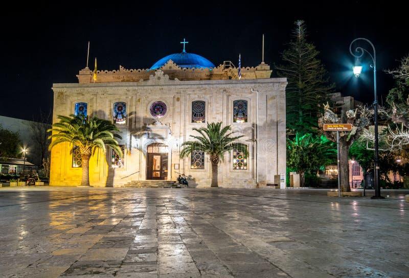 Το οθωμανικό μουσουλμανικό τέμενος Vezir, το οποίο έγινε σήμερα η βασιλική του ST Titus στα φω'τα βραδιού, Ηράκλειο, Κρήτη στοκ εικόνες
