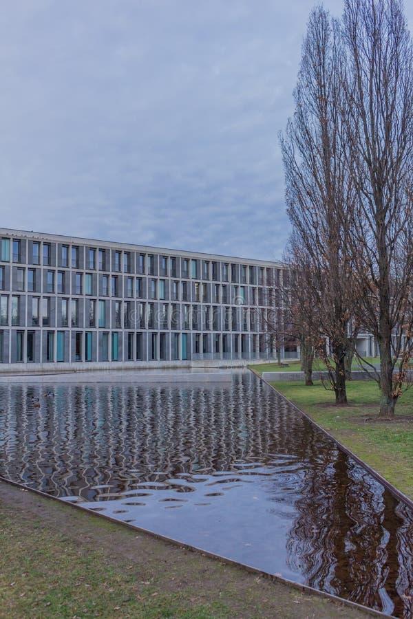 Το ομοσπονδιακό Εργατικό Δικαστήριο στην Ερφούρτη, thuringia στοκ φωτογραφία