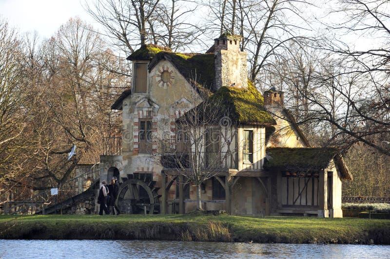 Το πάρκο του κάστρου των Βερσαλλιών στοκ εικόνες
