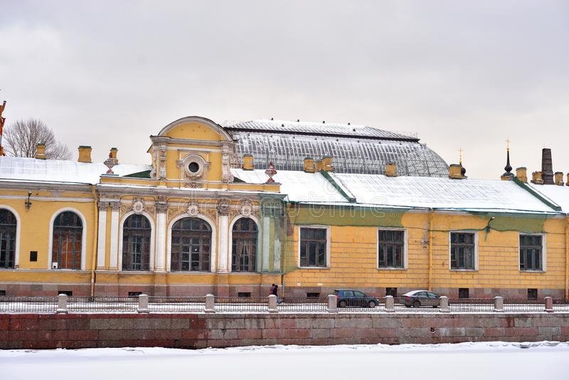 Το παλάτι στο ανάχωμα του ποταμού Fontanka στοκ εικόνες