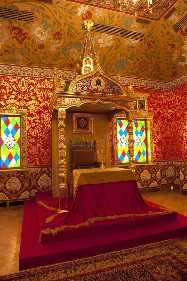 Το παλάτι του τσάρου Alexei Mikhailovich Η τραπεζαρία, ο πίνακας του βασιλιά και ο θρόνος εσωτερικός Μουσείο-επιφύλαξη Tsaritsyno στοκ φωτογραφία με δικαίωμα ελεύθερης χρήσης
