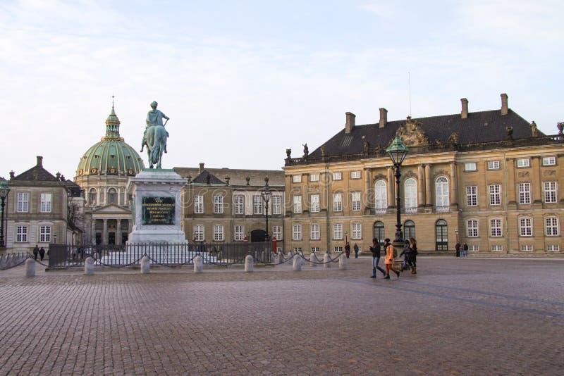 Το παλάτι Amalienborg είναι το σπίτι της δανικής βασιλικής οικογένειας, και βρίσκεται στην Κοπεγχάγη, Δανία στοκ φωτογραφία