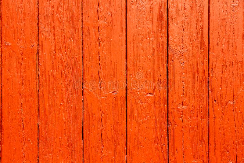 Το παλαιό βρώμικο και ξεπερασμένο κόκκινο πορτοκάλι χρωμάτισε το ξύλινο τοίχων υπόβαθρο σύστασης σανίδων απλό στοκ φωτογραφία