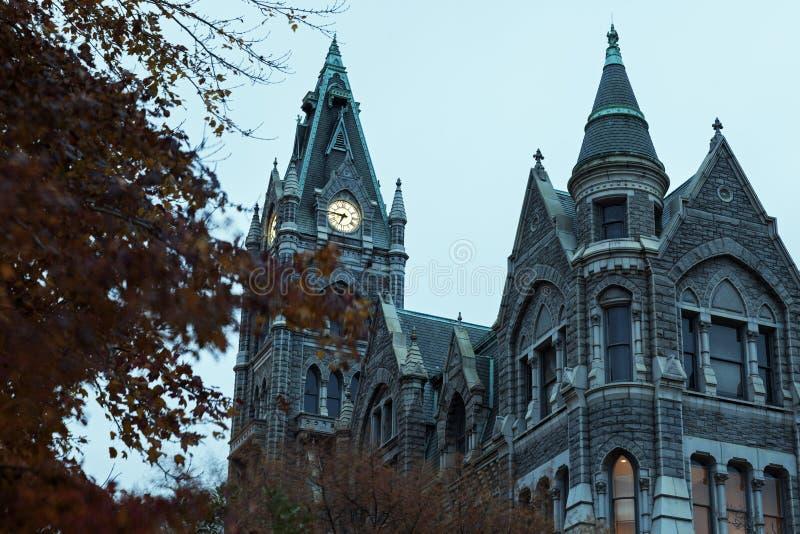 Το παλαιό Δημαρχείο στο downtonw του Ρίτσμοντ στοκ φωτογραφία